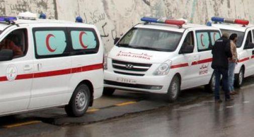 Libia, camion kamikaze fa strage in base della polizia: 50 morti