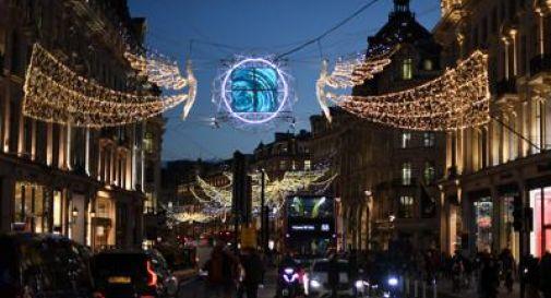 Lockdown duro a Londra per Natale, vietati ospiti a casa