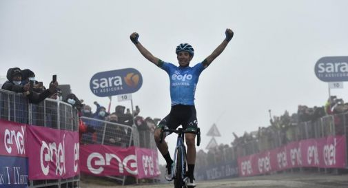 Lorenzo Fortunato è il re dello Zoncolan, sua la 14esima tappa del Giro