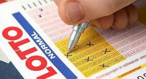 Vince al Lotto 23mila euro