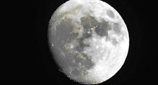 Campioni di roccia lunare arrivano sulla Terra