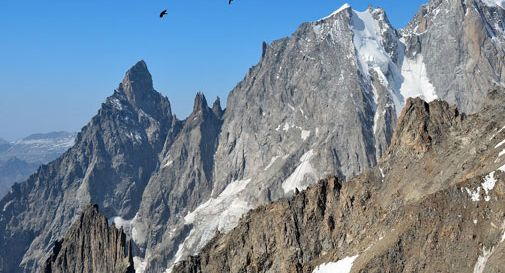 Alpinista precipita sul Monte Bianco. L'ennesima vittima della montagna