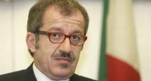 Maroni: contro la mafia appalti a km zero
