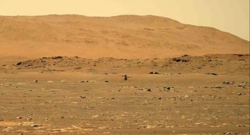 Un elicottero vola su Marte