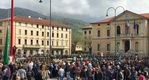Mattarella a Vittorio Veneto, una piazza gremita lo accoglie