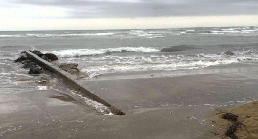 Rapporto intimo sulla spiaggia naturista, coppia prende una multa da 20mila euro