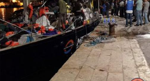 41 migranti sbarcano a Lampedusa dalla barca Alex