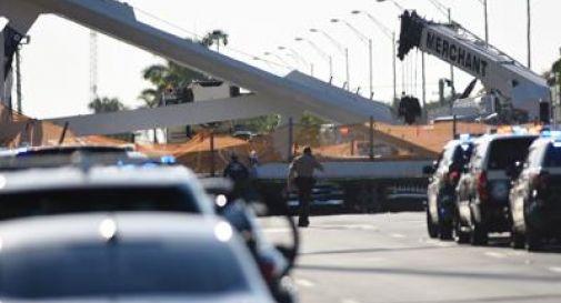 Crolla ponte a Miami: 4 morti