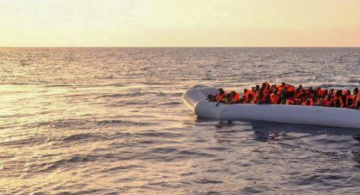 Migranti, persi contatti con gommone con 75 persone a bordo