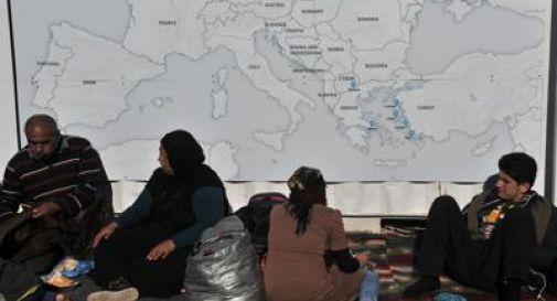 La Macedonia chiude i confini, 5mila migranti in attesa in Grecia