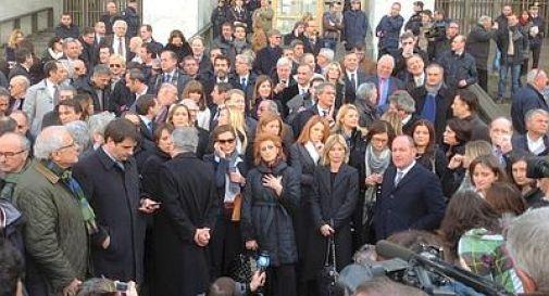 Blitz dei deputati Pdl davanti al Palazzo di Giustizia