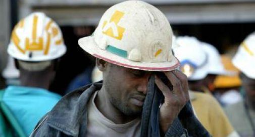 Sudafrica, 500 uomini intrappolati in una miniera d'oro