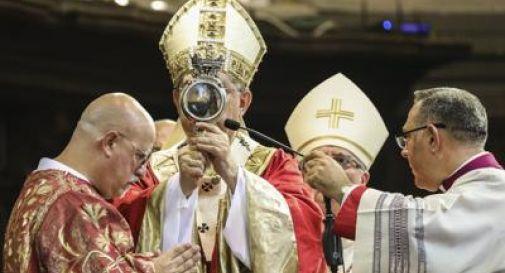 Nuovo miracolo, il sangue di San Gennaro si è sciolto