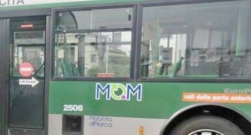 MOM difende i suoi lavoratori dagli attacchi social