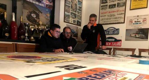 da destra, Mauro Silvestrin, Alex De Grandi e Simone Grillo al lavoro nella sede del Motoring Club.