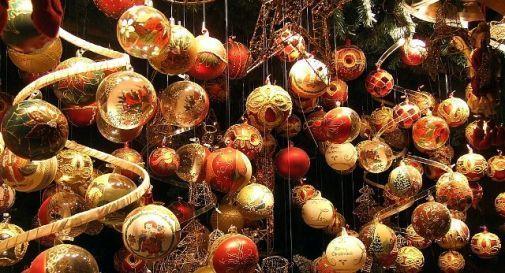 Rubano addobbi natalizi per 2mila euro, arrestate tre donne