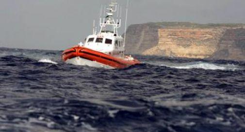 Lampedusa, individuato relitto: attorno cadaveri