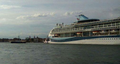 Nave da crociera da 40mila tonnellate bloccata nel canale della Giudecca