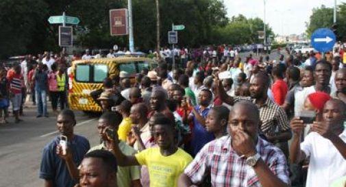 Bimba di 10 anni si fa esplodere in mercato nigeriano, 20 morti