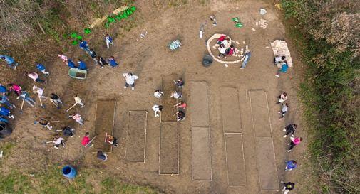 Vista dall'alto dell'orto realizzato dagli alunni della scuola primaria di Liedolo