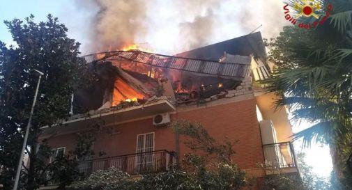 Esplosione a Roma, crolla una palazzina: tre feriti