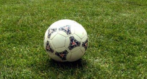 Squadre in campo: solidarietà dei giocatori per chi lotta contro l'emergenza sanitaria