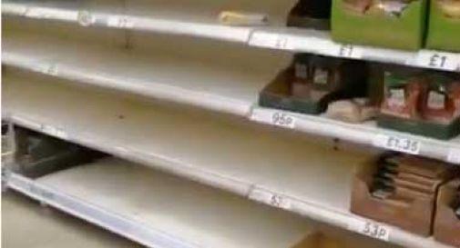 Gran Bretagna, corsa agli scaffali per i prodotti