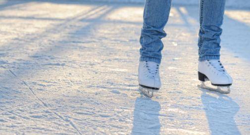 Natale pattinaggio su ghiaccio ai giardini del castello oggi treviso news il quotidiano - Giardini del sole castelfranco ...
