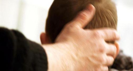 Pedofilia, rapporto choc in Francia: 216mila vittime di preti in ultimi 70 anni