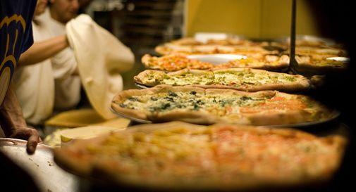 Pizzeria cerca personale: deve parlare dialetto