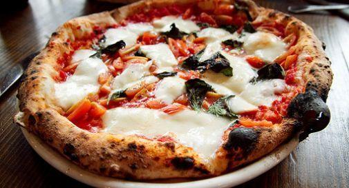 Sputa nella pizza