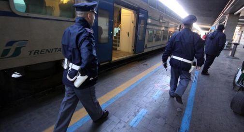 L'uomo era salito a Padova sul treno che porta a Montebelluna ed è stato notato dalla Polfer