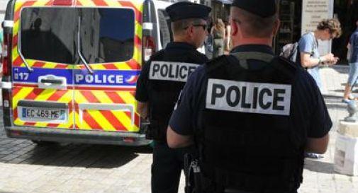 Francia, si schianta con l'auto contro una moschea