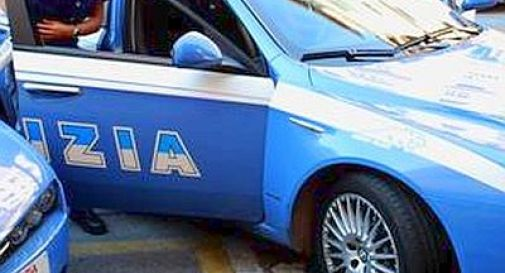 Mattanza in pieno giorno a Bari: in tre falciati a colpi di mitraglia