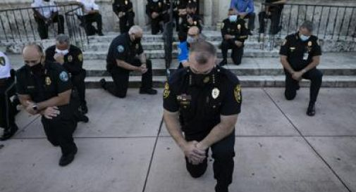 Polizia pro manifestanti