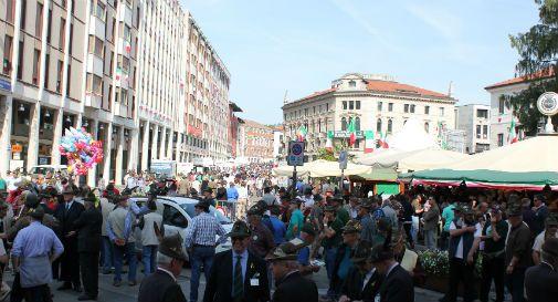 pordenone scocca l 39 ora della sfilata dell 87ma adunata