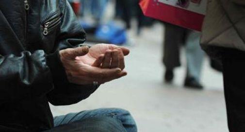 Quasi il 30% degli italiani a rischio povertà, in Europa ci batte solo la Grecia