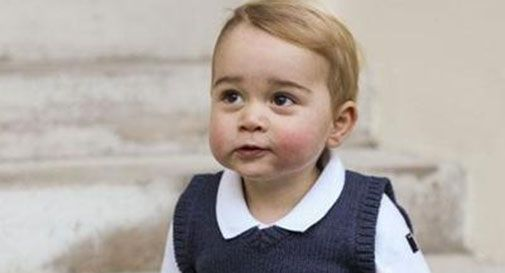 William e Kate presentano ai sudditi il principe George