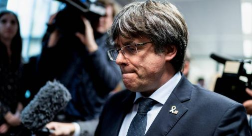 Puigdemont torna libero, leader catalano deve restare in Sardegna