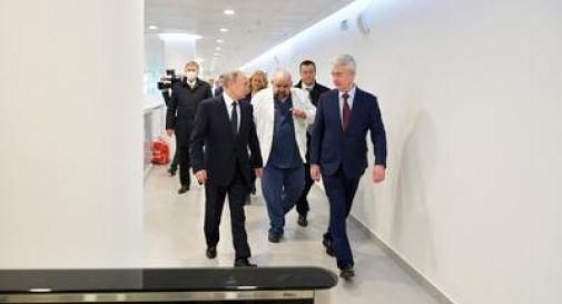 Coronavirus, positivo il primario che ha stretto la mano a Putin