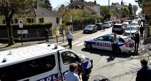 Francia, poliziotta uccisa a coltellate. Aggressore ha urlato 'Allah Akbar'