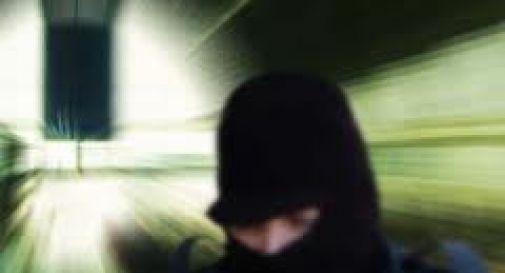 Rapina e aggressione a orafo, ma è bigiotteria