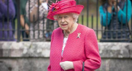 Regina Elisabetta ricoverata in ospedale per una notte