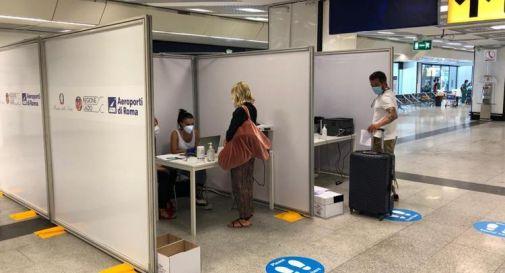 Covid, volo dall'India a Roma: positivi in 23
