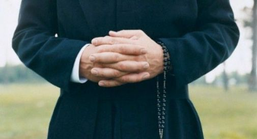 Ex seminarista denuncia due sacerdoti: sostiene di aver subito abusi sessuali