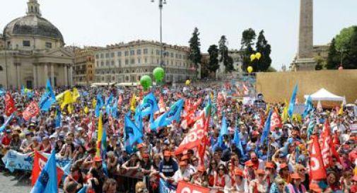 Renzi apre al dialogo sulla scuola, ma avanti tutta sulla riforma
