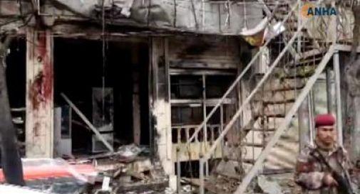 Siria, kamikaze al ristorante: 16 morti
