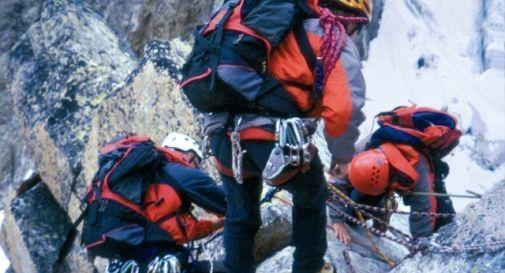 Scialpinista del Soccorso Alpino travolto e ucciso da una valanga