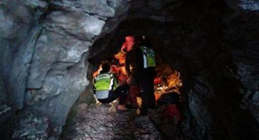 Speleologo infortunato a 50 metri di profondità