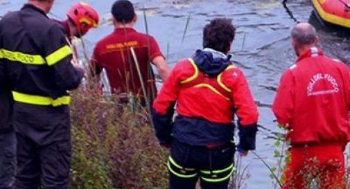 Tragico ritrovamento nel canale, recuperato 32enne senza vita